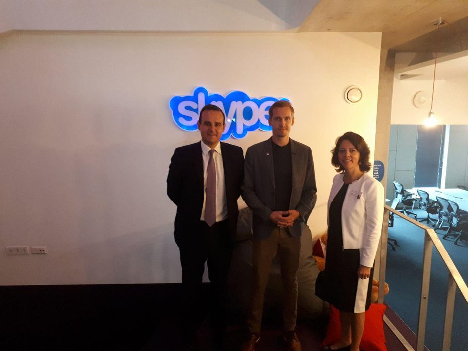 Visite de Skype, entreprise née ne Estonie, avec M. Holroyd avec l'ambassadrice de France en Estonie, Mme Claudia Delmas-Scherer et M. Tanel Erm, Group Engineering Manager (6/09/2018, Tallinn) - JPEG